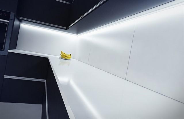 Светодиодная лента для кухни 35 фото самоклеящаяся диодная лента 220 В Какую LED-подсветку кухонного гарнитура лучше выбрать